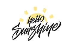 Vectorillustratie: Het met de hand geschreven type van letters voorzien van Hello-Zonneschijn met hand getrokken Zon op witte ach stock illustratie