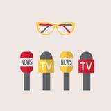 Vectorillustratie - microfoons, journalistiek, levend nieuws, nieuws van de wereld Stock Fotografie