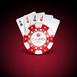 Vectorillustratie op een casinothema met rode het spelen spaanders en playig kaarten op donkere achtergrond Het gokken ontwerpele Stock Foto