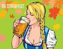 Vectorillustratie van een jong meisje die een glas van bier en een nippend slokje in hand houden Royalty-vrije Stock Foto's