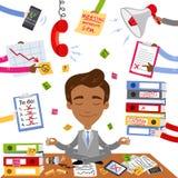 Vectorillustratie van een kalme Aziatische zakenmanzitting op zijn bureau die yoga met administratie, spanning en chaos doen die  vector illustratie