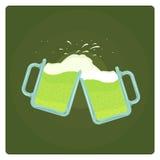 Vectorillustratie van twee biermokken het bespatten Stock Afbeeldingen