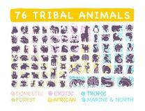 Vectorinzameling van vlakke leuke stammen dierlijke pictogrammen met hand getrokken die ornament op witte achtergrond wordt geïso stock illustratie