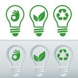 Vectorized pictogramreeksen voor duurzame energieën Gloeilampen met pictogrammen van schone energie, bol met blad, bol met het re Stock Fotografie