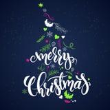 Vectorkerstmishand het van letters voorzien uitdrukking - vrolijke Kerstmis met takken, wervelingen, bloemen, engelen en sneeuwvl stock illustratie