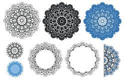 Vectormandalainzameling in zwarte en blauwe kleuren Zenmandala voor uw ontwerp, groetkaart, kleurend boek Stock Foto's
