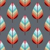 Vectorpatroon met gekleurde bladeren op lichtbruine achtergrond Stock Afbeelding