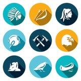 Vectorreeks Apaches-Pictogrammen Injun, Boog en pijl, Tamboerijn, Tomahawk, Laurier, Canion, Raaf, Kano Stock Fotografie