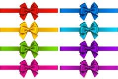 Vectorreeks decoratieve kleurrijke bogen met horizontale die linten voor de decoratie van de vakantiegift op wit worden geïsoleer Stock Afbeelding