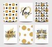 Vectorreeks liefdekaarten voor huwelijk en de dag van Valentine ` s met gouden het fonkelen gevolgen stock illustratie