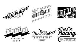 Vectorreeks van 6 uitstekende emblemen voor motoclub Originele zwart-wit kentekens met vleugels en wielen stock illustratie