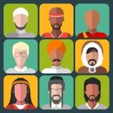 Vectorreeks verschillende pictogrammen van de nationaliteitsmens in in vlakke stijl vector illustratie