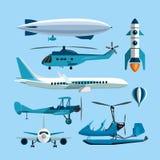 Vectorreeks vliegende vervoersvoorwerpen Hete luchtballon, raket, helikopter, vliegtuig, retro tweedekker Ontwerp Stock Fotografie