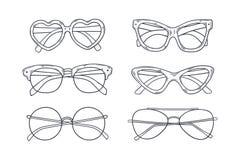 Vectorschets getrokken glazen in uitstekende stijl vector illustratie