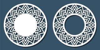 Vectorstencil kanten rond kader met gesneden openwork patroon te Royalty-vrije Stock Fotografie