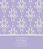 Vectorviolet vintage invitation card met 3d Bloemendamastpatroon Stock Foto's