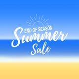 Vectror reklama o lato sprzedaży na defocused tle z pięknym tropikalnym morze plaży widokiem Obraz Stock