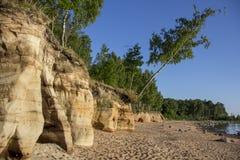 Veczemju Clifs Czerwone skały, Latvia Ochraniający Latvian Geological i Geomorfologiczny Naturalny zabytek obraz royalty free