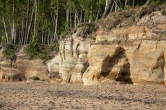 Veczemju Clifs Czerwone skały, Latvia Ochraniający Latvian Geological i Geomorfologiczny Naturalny zabytek zdjęcia royalty free