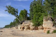 Veczemju Clifs Czerwone skały, Latvia Ochraniający Latvian Geological i Geomorfologiczny Naturalny zabytek obraz stock