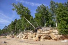 Veczemju Clifs Czerwone skały, Latvia Ochraniający Latvian Geological i Geomorfologiczny Naturalny zabytek fotografia royalty free