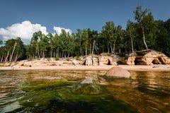 Veczemju Klintis Plage de chaux en Lettonie images stock