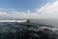 Vedette de marine dans la baie de Guanabara photo stock