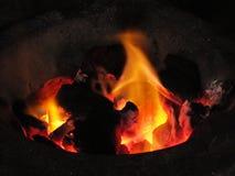 Vedträbränning i ugnen Royaltyfria Bilder