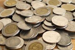 Veel geld Thaise muntstukken. Royalty-vrije Stock Afbeeldingen