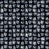 Veel glanzende diamanten op zwarte Stock Afbeelding