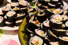Veel naar huis gemaakte sushi royalty-vrije stock afbeeldingen