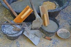 Veel soort hulpmiddelen en materialen voor cementmixer Stock Foto's