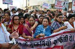 Veeleisende Doodstraf tegen verkrachters Royalty-vrije Stock Foto's