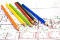 Veelkleurige potlood en tekening Stock Afbeeldingen