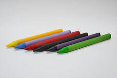 Veelkleurige waskleurpotloden Royalty-vrije Stock Foto