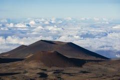 Veelvoudige Cinder Cones dichtbij Top van Mauna Kea, Hawaï royalty-vrije stock foto