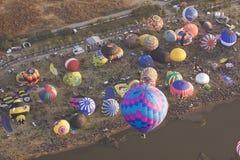 Veelvoudige hete luchtballons Stock Foto's