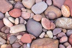 Veelvoudige kleine overzeese rotsen Stock Afbeelding