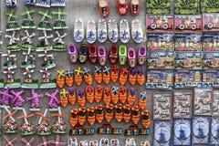 Veelvoudige, kleurrijke koelkastmagneten van Amsterdam en Holland stock foto's