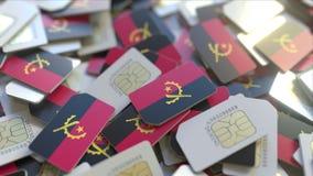 Veelvoudige Simkaarten met vlag van Angola Het Angolese mobiele telecommunicatie conceptuele 3D teruggeven stock illustratie