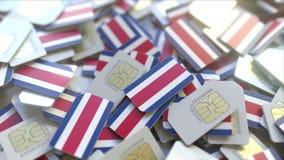 Veelvoudige Simkaarten met vlag van Costa Rica Van telecommunicatie Costa Rican het mobiele conceptuele 3D teruggeven royalty-vrije illustratie