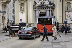 Veelzijdige wijzen van vervoer in Wenen royalty-vrije stock afbeeldingen