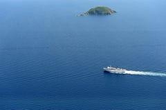 Veerboot & eiland Stock Foto