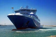 Veerboot bij de haven van Mykonos Royalty-vrije Stock Afbeelding