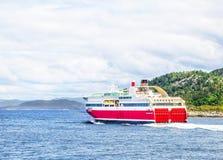 Veerboot bij het overzees Stock Foto's