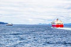 Veerboot bij het overzees Royalty-vrije Stock Foto's