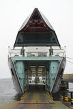 Veerboot bij terminal Stock Foto's