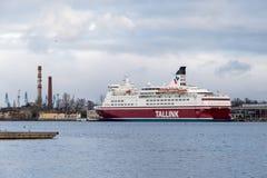 Veerboot in de haven Stock Fotografie