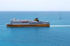 Veerboot die de haven van Nice, Frankrijk naderen Royalty-vrije Stock Foto