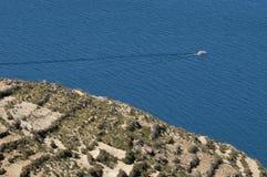 Veerboot in het zoneiland Royalty-vrije Stock Afbeeldingen